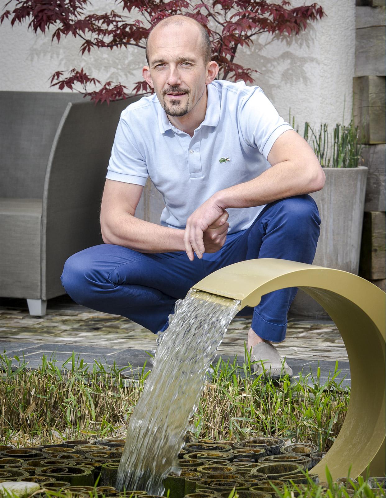 Olivier Clavel - créateur de fontaines, bassins et aquarium